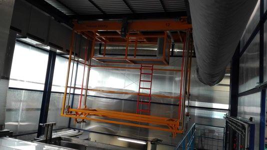 Транспорт деталей в линии при помощи специальных манипуляторов – грузоподъёмность 2 000 кг.