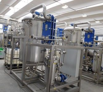 Automatic station for the treatment of waste water from chemical milling and anodic oxidation lines.