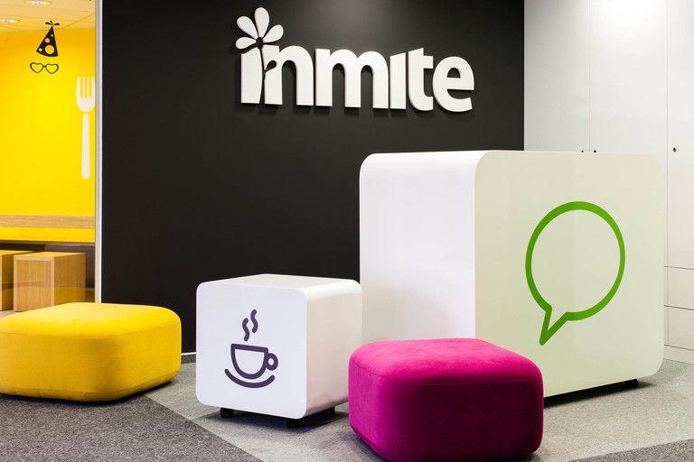 Kancelare inmite 01 recepce nabytek ikony mobilnich aplikaci