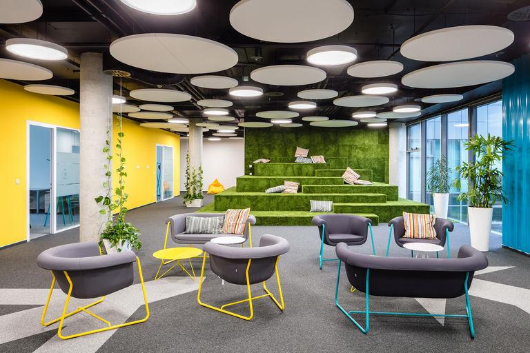 ústřední společný prostor IT – Kanceláře KIWI.COM | Horalík Atelier