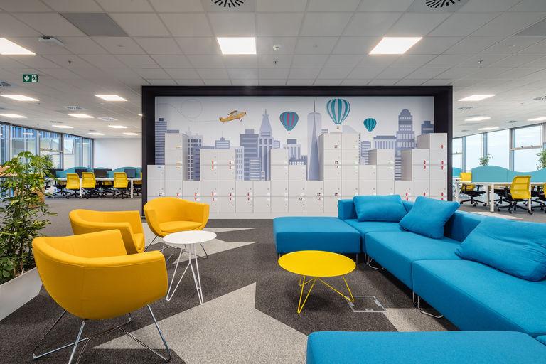 call centrum s posezením – Kanceláře KIWI.COM | Horalík Atelier