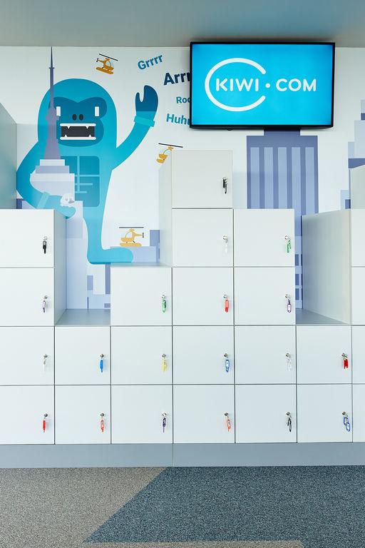 detail individuálních úložných skříněk – Kanceláře KIWI.COM | Horalík Atelier