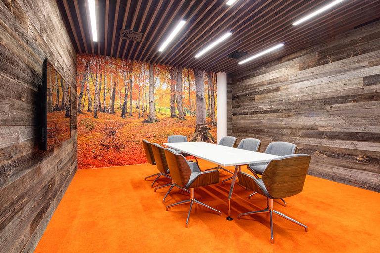 podzimní jednací místnost – Kanceláře CA Technologies | Horalík Atelier