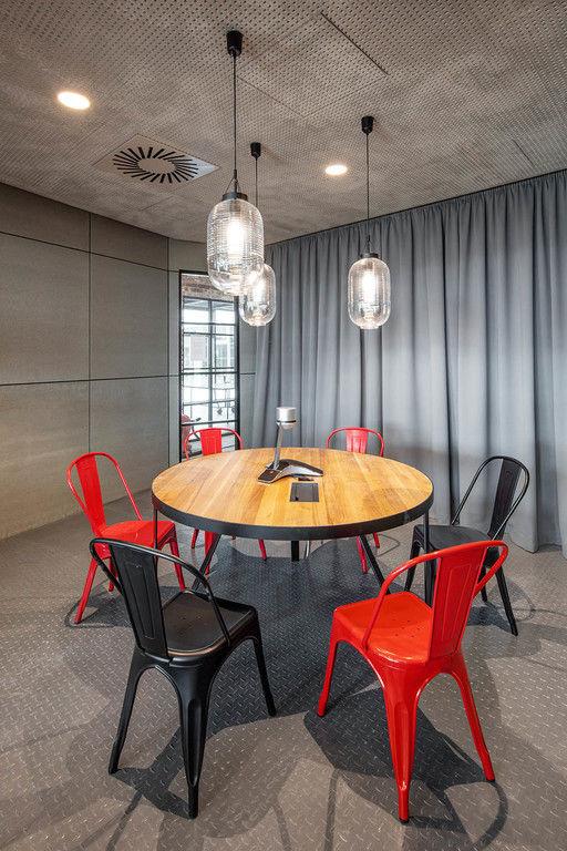 neformální jednací místnost – Kanceláře CA Technologies | Horalík Atelier