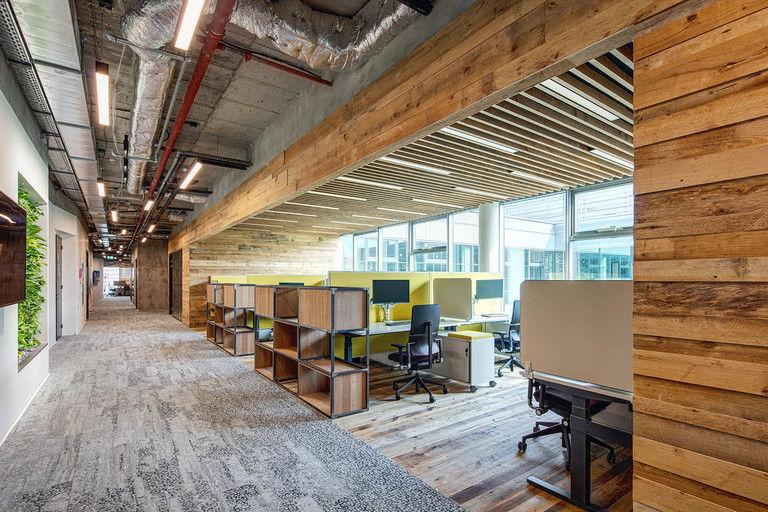 polouzavřená pracoviště – Kanceláře CA Technologies | Horalík Atelier