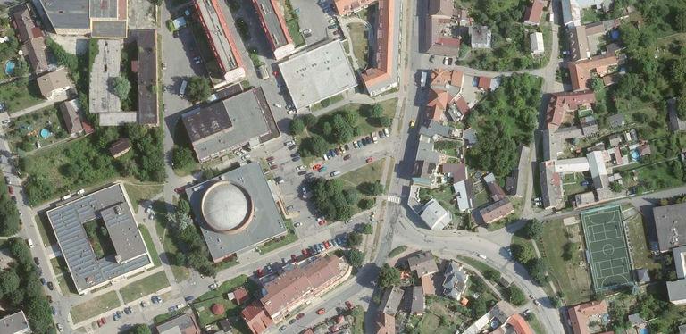 Situace - současný stav – náměstí v Malenovicích   Horalík Atelier