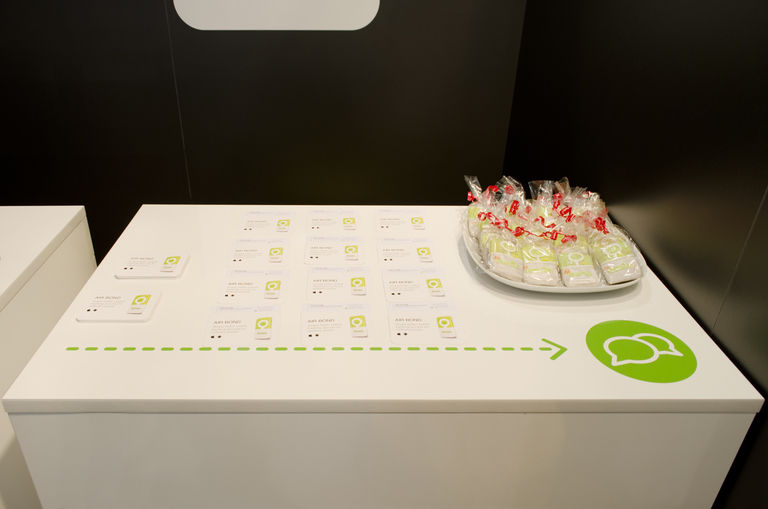 Jednací stolek - vizitky + občerstvení – výstavní stánek INMITE | Horalík Atelier