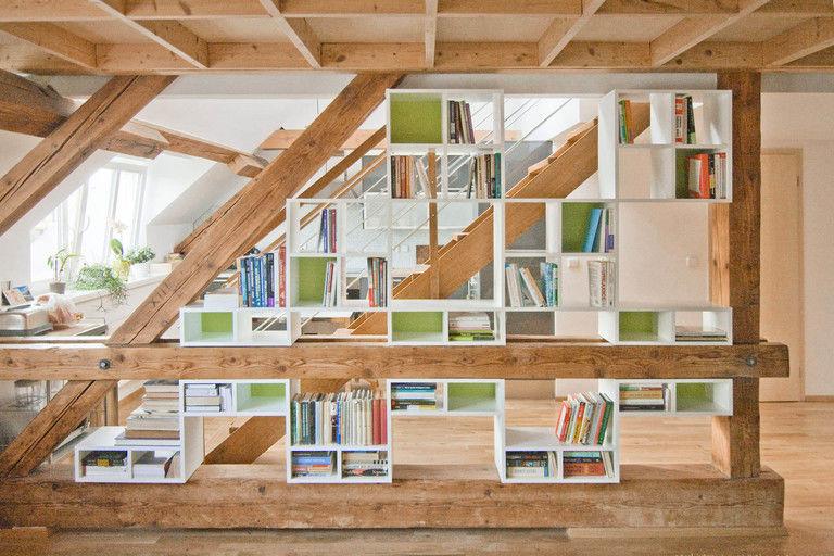 vestavěná knihovna - čelní pohled – byt Veleslavín | Horalík Atelier