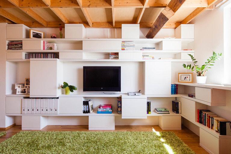 obytná stěna - čelní pohled – byt Veleslavín | Horalík Atelier