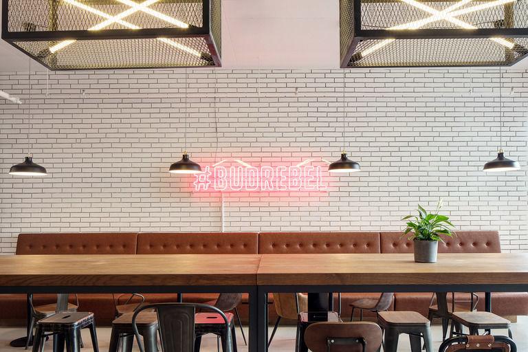 buď rebel! – Kavárna Rebelbean | Horalík Atelier