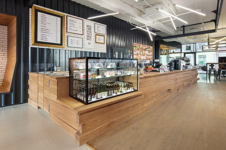 bar s nabídkou dezertů – Kavárna Rebelbean | Horalík Atelier